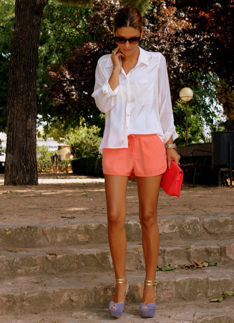 coral street style, coral short