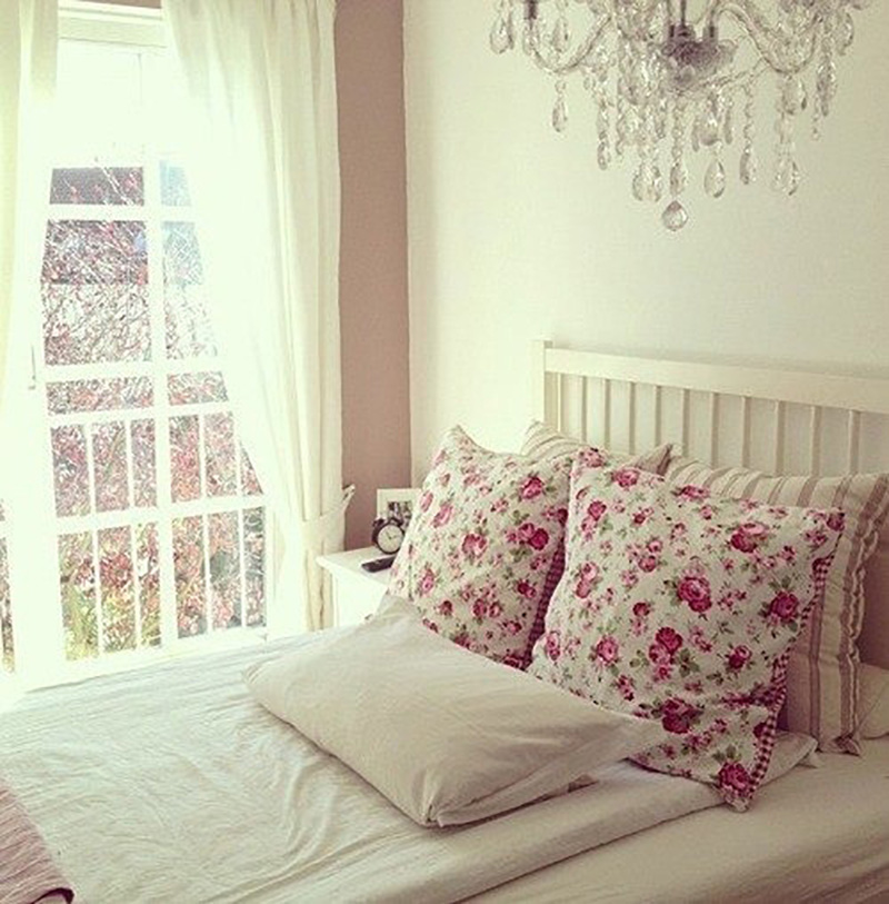floral pillows, white bedroom