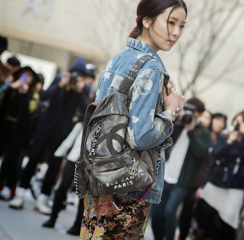 chanel canvas backpack, chanel backpack, chanel canvas grafiti backpack (2)