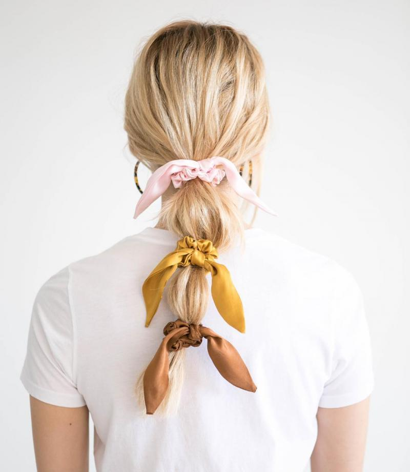 How To Wear Scrunchies Without Feeling Like You've Popped Straight Outta The 90's (11)