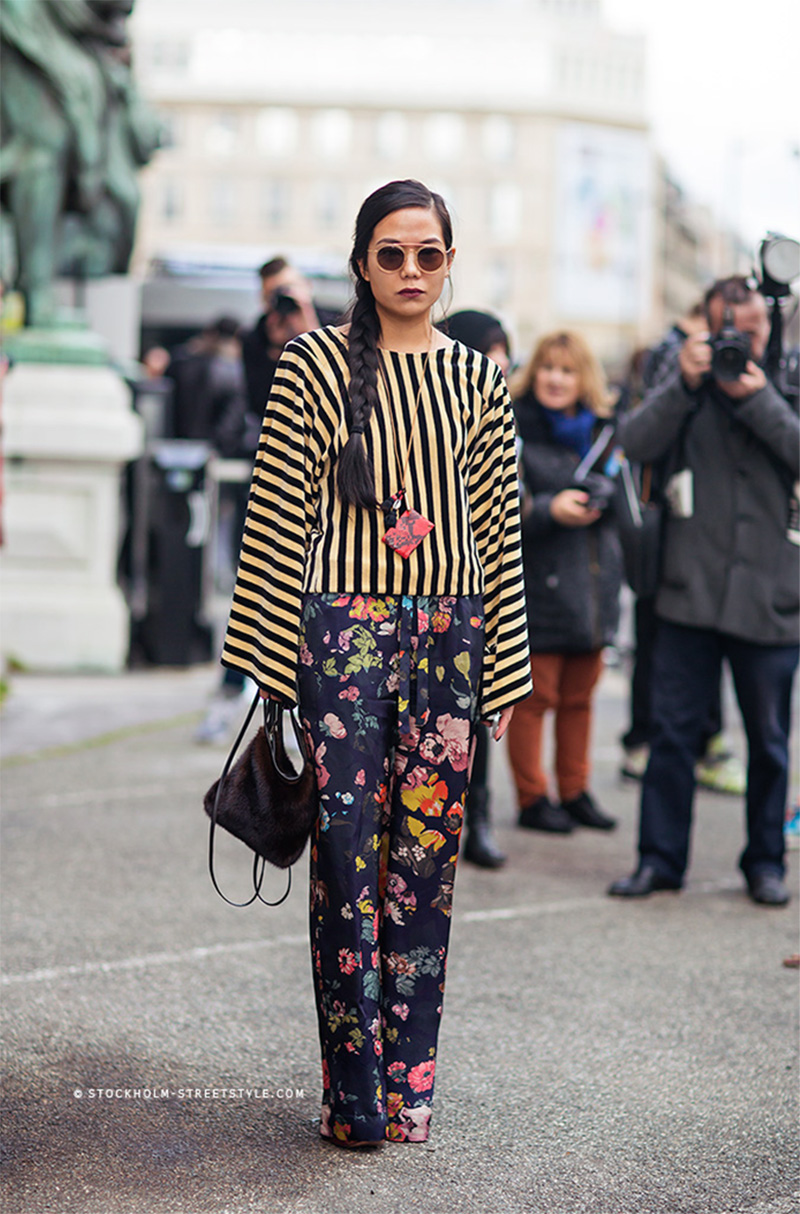 floral pants style, striped blouse, florals street style, stripes street style