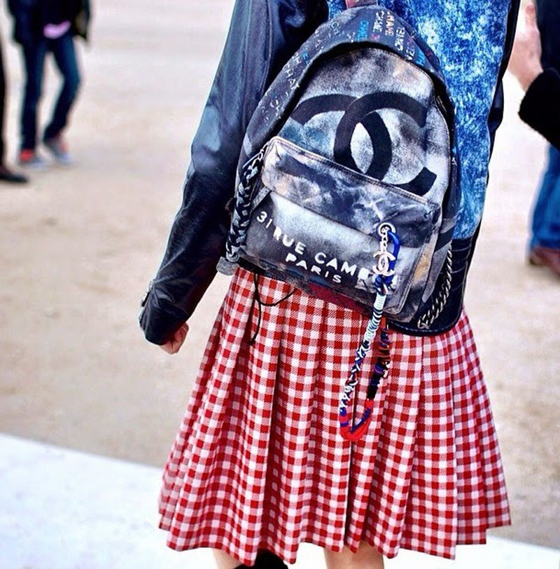 chanel canvas backpack, chanel backpack, chanel canvas grafiti backpack (11)