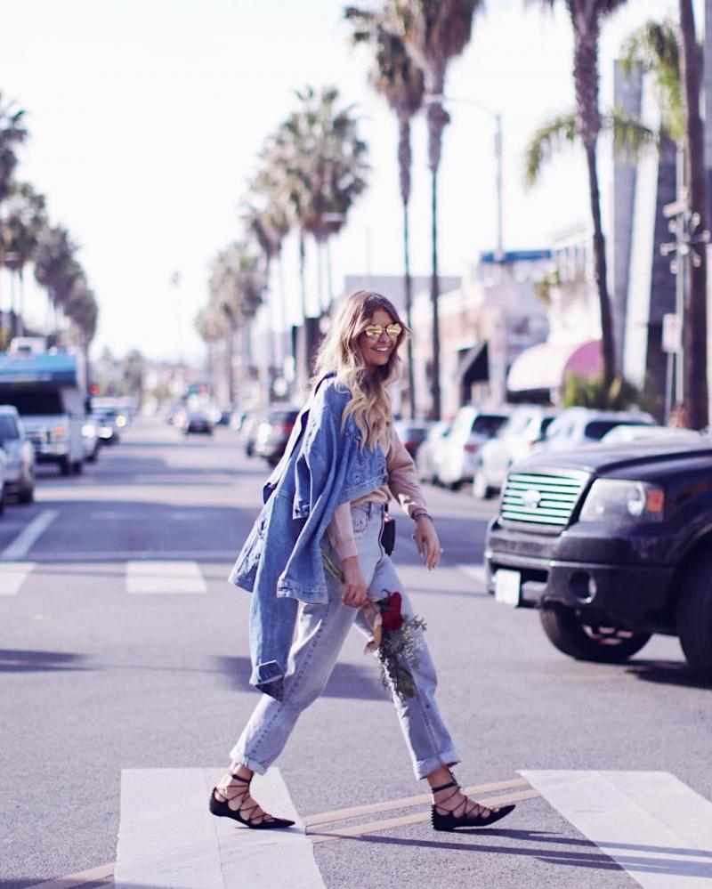Elle Ferguson is the effortlessly cool girl, she rocks every outfit regardless if it's a pair of denim shorts or a Balmain dress. (6)